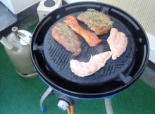 Keine Fleischstücke direkt gegrillt