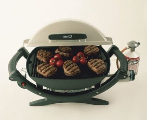 weber q100 test mobiler gasgrill f r camping und terrasse. Black Bedroom Furniture Sets. Home Design Ideas